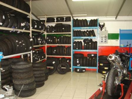 Foto officina gomme